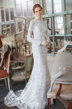 The new Sareh Nouri bridal designs have arrived! Take a look at what the latest Sareh Nouri wedding dresses have in store for engaged brides. Vintage Style Wedding Dresses, Bridal Wedding Dresses, Bridal Style, Bridal Shoot, Crepe Wedding Dress, Bridal Fashion Week, Mannequins, Dress Collection, Bridal Collection