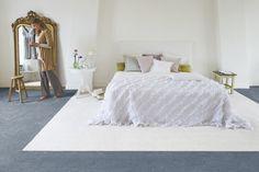 Heerlijk zacht om op te lopen en te relaxen. De combinatie van dit hoge poolgewicht met Ultra Soft tapijtgaren en een grote pooldichtheid maken dit tapijt tot de meest comfortabele vloer om op te wonen en te leven.