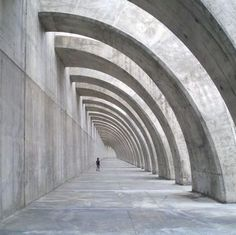 Curved colonnade