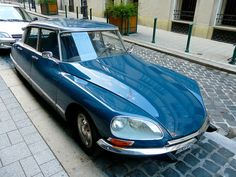 Citroen DS. Beauty and technology in perfect harmony.... most of the time.