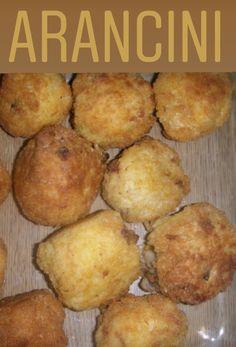 Hoy os presentamos una receta de arancini, deliciosos amigos de los paladares de millones de personas. Arancini, Pesto, Carne, Muffin, Breakfast, Recipes, Food, Tasty Food Recipes, Rice