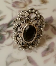 Ring silver tone faux pearl and black stone vintage