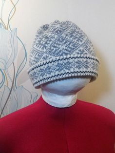 Wonderful hand-made winter hat by LanaNere on Etsy Winter Hats, Cap, Trending Outfits, Unique Jewelry, Handmade Gifts, Etsy, Vintage, Baseball Hat, Kid Craft Gifts