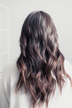 How to curl your hair with a wand pine barren beauty dark hair, hair goals, Loose Curls Medium Length Hair, Big Loose Curls, Long Hair Waves, Curls For Long Hair, Loose Curled Hair, Wavy Curls, Short Curls, Messy Hair, Hair Medium