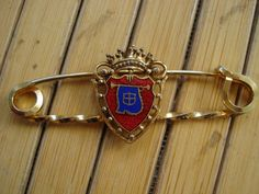 1960s Coat of Arms Monarchy Kilt Skirt Pin Brooch by bycinbyhand, $16.00
