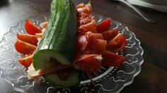 Gurke mit einem Sarah Spezial Pesto und Serranoschinken Pesto, Zucchini, Watermelon, Fruit, Vegetables, Food, Meal, The Fruit, Essen