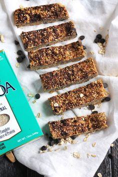 These delicious peanut butter quinoa granola bars are both crunchy and chewy. Made with a few simple, wholesome ingredients, they're high in fiber and protein. Gluten free and freezer friendly too! #granolabars #glutenfreebaking #glutenfreesnacks #snackideas #breakfastideas...