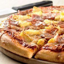 Thin crust pizza recipe with King Arthur's Sir Lancelot flour