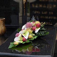 Funeral Flower Arrangements, Funeral Flowers, Floral Arrangements, Fall Flowers, Ikebana, Floral Wreath, Wreaths, Table Decorations, Crafts
