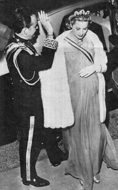 Princess Grace of Monaco. Love this photo for princess Grace.