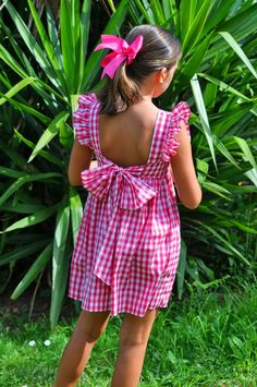 The back to the gingham pinafore dress. Little Girl Outfits, Kids Outfits Girls, Girly Outfits, Red Checkered Dress, Les Enfants Sages, Cute Girl Dresses, Dress Girl, Kids Frocks, Tween Fashion