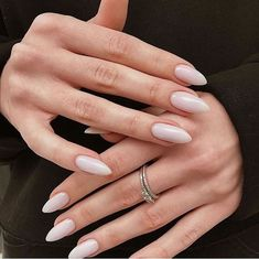 Image discovered by kolesova_art. Find images and videos about nails nail art and Nude on We Heart It - the app to get lost in what you love. Nagellack Design, Nagellack Trends, Trim Nails, Clean Nails, Oval Nails, Minimalist Nails, Nagel Gel, Cute Acrylic Nails, Nude Nails With Glitter