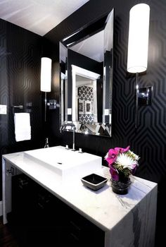 graphic wallpaper home design photos - Loved the black and white bathroom! Contemporary Bathroom, Interior, White Decor, Bathroom Interior, Black Walls, Glamorous Bathroom, Bathrooms Remodel, Bathroom Decor, Black Bathroom