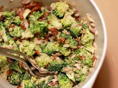 Jeg er sikker på at rigtig mange af jer allerede kender denne her salat. Den stor-hittede for efterhånden en del år siden. Men den er stadig et hit og et dejligt tilbehør til kød, eller f.eks. en t…