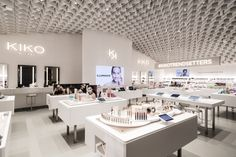 Kiko Milano Unveils New Store Concept Makeup Display, Cosmetic Display, Cosmetic Shop, Cosmetic Design, Kengo Kuma, Makeup Boutique, Kiko Milano, Beauty Corner, Retail Store Design