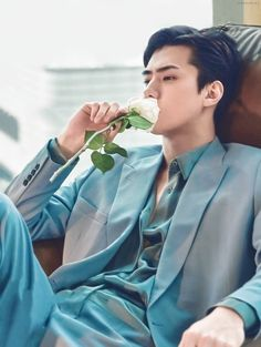 Discover recipes, home ideas, style inspiration and other ideas to try. Kpop Exo, Exo Chanyeol, Sehun Hot, Exo Lockscreen, Exo Ot12, Babe, Boyfriend Material, Jaehyun, Cnblue