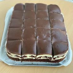 Romanian Desserts, Romanian Food, Cookie Recipes, Snack Recipes, Snacks, Yummy Treats, Delicious Desserts, Cheesecake Toppings, Mango Cake