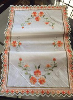 Hardanger Embroidery, Embroidery Stitches, Embroidery Patterns, Hand Embroidery, Drawn Thread, Thread Work, Bargello, Crochet Tablecloth, Cutwork