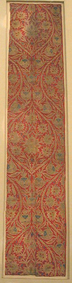 Brocade  Date:     16th century Geography:     Turkey, Bursa Culture:     Islamic Medium:     Silk and metal thread