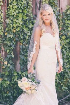 Blonde Bridal Hairstyles with Lace Veil Pictures
