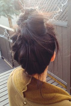 Messy bun Cute Girl Photo, Girl Photo Poses, Girl Photos, Stylish Girl Images, Stylish Girl Pic, Girl Photography Poses, Tumblr Photography, Beautiful Eyes Images, Foto Instagram