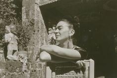 Palazzo Albergati, a Bologna, ospita dal 19 novembre e fino al 26 marzo dell'anno prossimo i dipinti della Collezione Gelman, consacrata all'arte messicana del Novecento e in particolare alle figure di Frida Kahlo e Diego Rivera. La Collezione Gelman nasce nel 1941 quando Jacques Gelman e Natasha Za…