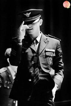 【義務警官】⑭1/30画像>ヒーリングコンサート|東方神起と運命共同体まゆまゆ Tvxq Changmin, Jung Yunho, Asian Boys, Asian Men, K Pop, Super Junior Donghae, Chang Min, Police Uniforms, Lee Donghae