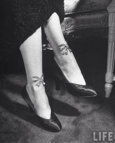 Nina leen vintage fashion feet photo