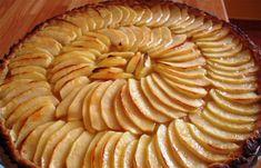 Tarte de Maçã de comer e chorar por mais. Fica com um sabor a maçã tão bom Apple Custard, Apple Pie, Bolo Fresco, Tea Cakes, Desserts, Recipes, Food, Lidl, Creme