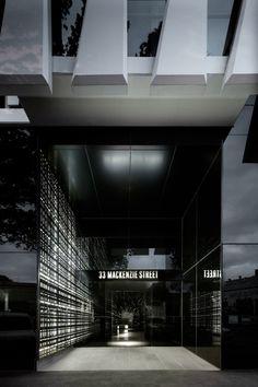 33 MacKenzie Street / Elenberg Fraser