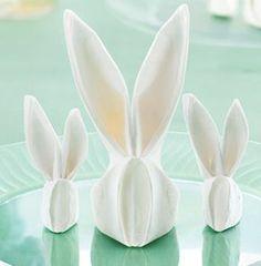 Bunny Napkin Folds - http://www.mychinet.com/napkinfolding                                                                                                                                                      More