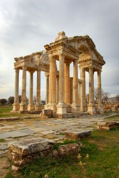 Immortal Monday Hosts The Midnight Novelist and Aphrodite – Architectural features - architecture house Ancient Ruins, Ancient Rome, Ancient Greece, Ancient History, Mayan Ruins, Ancient Greek Architecture, Roman Architecture, Greece Architecture, Aphrodite