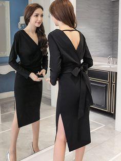 Чёрное платье с в вырезом