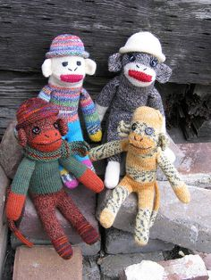 sock monkeys-@michelle ballou get going on that scarf so you can make these for me next