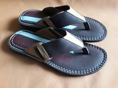Here are some luxury slippers for the real men. They come in different styles and designs just for your outing and any other event. Gucci Fashion, Fashion Shoes, Mens Fashion, Leather Slippers, Leather Sandals, Slipper Sandals, Men's Sandals, African Dresses Men, Stylish Sandals
