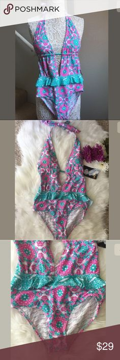 Marilyn Monroe swimsuit NWT Marilyn Monroe one piece swimsuit Marilyn Monroe Swim One Pieces