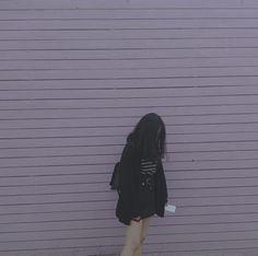 Lấy = Fllowing me Not me Girl Pose, Uzzlang Girl, Girl Photo Poses, Korean Girl Photo, Cute Korean Girl, Asian Girl, Mode Ulzzang, Ulzzang Korean Girl, Grunge Photography