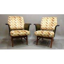 Fauteuil au design scandinave en velours beige #fauteuil #sofa  #design #scandinave #velours #beige