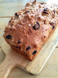 kwarkbrood Healthy Low Carb Recipes, Pureed Food Recipes, Healthy Cake, Healthy Dessert Recipes, Bread Recipes, Baking Recipes, Dutch Recipes, Healthy Breakfast Smoothies, Brunch