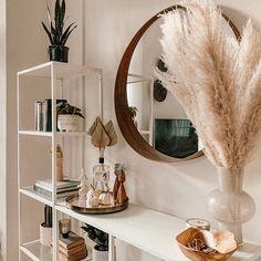 Living Room Modern, Home And Living, Living Room Decor, Room Ideas Bedroom, Bedroom Decor, Bedroom Inspo, Modern Bookshelf, Grass Decor, Minimalist Room