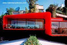 Vanguardist house in Mexico - Residencia de lineas vanguardistas Casa PR34 cubierta de chapa metálica y pintada de rojo