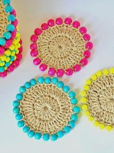 beaded jute coasters Inspiracion ༺✿ƬⱤღ  https://www.pinterest.com/teretegui/✿༻