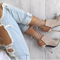 """""""Ripped jeans+nude pumps #love #inspo #style #lookoftheday #rippedjeans #nude #pumps #fashion #madeinmyself"""" Photo taken by @madeinmyself on Instagram, pinned via the InstaPin iOS App! http://www.instapinapp.com (02/14/2016)"""