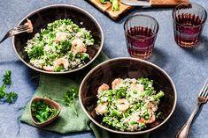 Kokosrijst met garnalen - Chickslovefood I Love Food, A Food, Dinner Is Served, Portobello, Tasty Dishes, Dinner Recipes, Healthy Recipes, Healthy Food, Eat