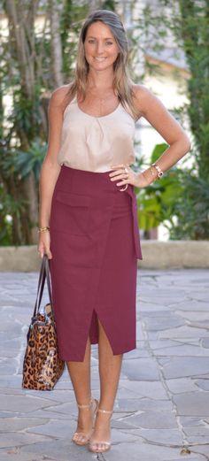 Look de trabalho - Look do dia - moda corporativa - roupa de trabalho - work outfit - office outfit - look executiva - look verão - saia midi - skirt - saia bordô - burgundy - vinho - animal print