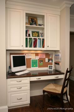 55 Ideas Home Office Nook Ideas Cork Boards Computer Nook, Desk Nook, Desk Space, Alcove Desk, Kitchen Desk Areas, Kitchen Desks, Kitchen Office Nook, Organized Kitchen, Kitchen Storage
