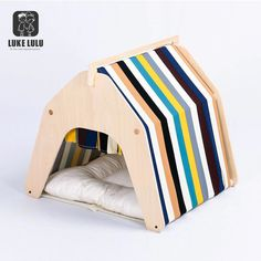 Good Free Fantastic Snap Shots Diy dog bag cat beds 47 super Ideas Tips A secu. Good Free Fantastic Snap Shots Diy dog bag cat beds 47 super Ideas Tips A secure place f… Sugg Pallet Dog House, Dog House Plans, Custom Dog Houses, Cool Dog Houses, Cat House Diy, D House, Diy Dog Bag, Small Dog House, Dog Beds For Small Dogs