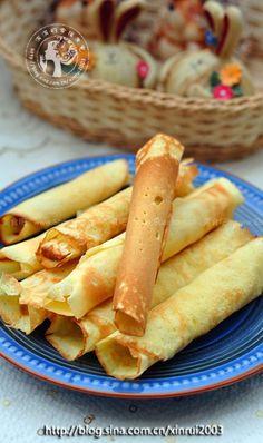 酥香蛋卷 Appetizer Recipes, Dessert Recipes, Appetizers, Desserts, Chinese Egg Rolls, My Favorite Food, Favorite Recipes, Chicken Spring Rolls, Chinese Food
