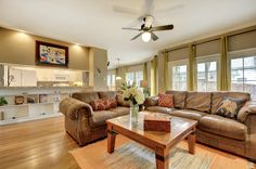 ** PRICE REDUCTION!** This exceptional condo in the heart of Austin is just a walk away from Fresh Plus, Jefrrey's, Cipollinas, with easy access to Downtown and MoPac. Beautiful hardwood floors, lots of windows, and a built in bar.  Bed | 2 Bath | 2 Est. Sq .Ft. | 1,259  Details here: http://ow.ly/ZLVHZ