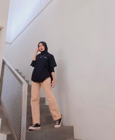 Ootd Hijab, Hijab Outfit, Simple Hijab, Normcore, Fashion Outfits, Pretty, Girls, Style, Swag